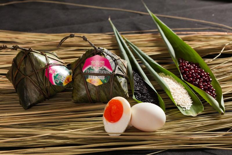 肇庆口碑好的广东黑白配粽子批发供应|裹蒸粽子生产