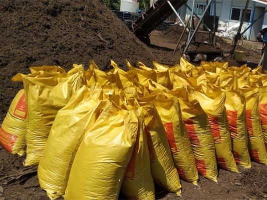 泥炭土哪里有卖,销量好的球场垂直绿化土哪里有供应