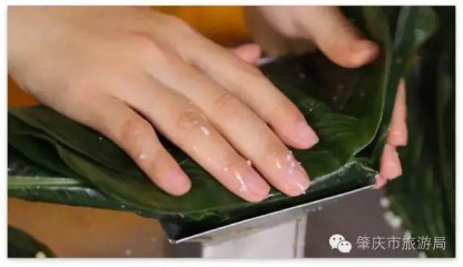 正宗广东粽子人工包粽
