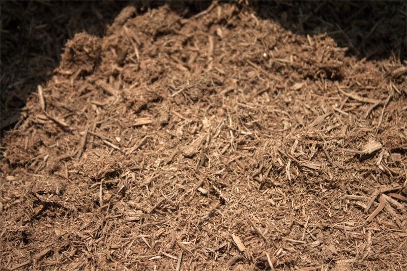 綠化用什么土,恒發農業優惠的有機覆蓋物泥炭木屑供應