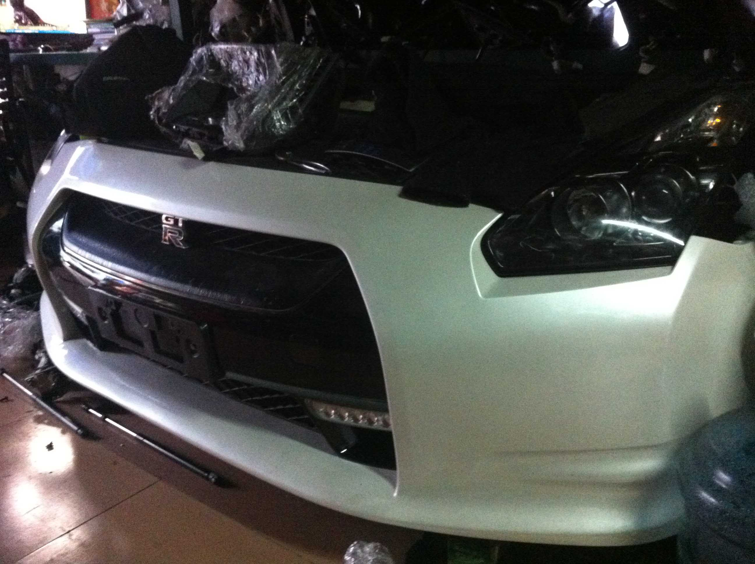 广州经德汽配-可靠的GTR汽车零件配件供应商|GTR前嘴配件多少钱