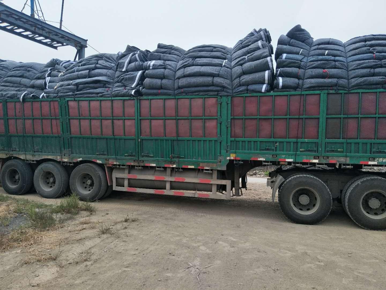 潍坊可靠的防水保温被批发商推荐-新疆厂家供应保温好的大棚棉被