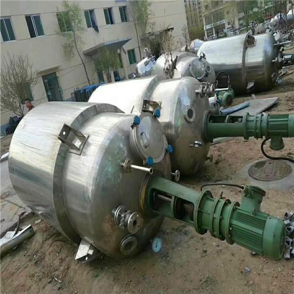 二手蒸汽加热反应釜,要买高质量的二手搪瓷反应釜,就上同兴二手设备