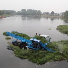 水草收割船
