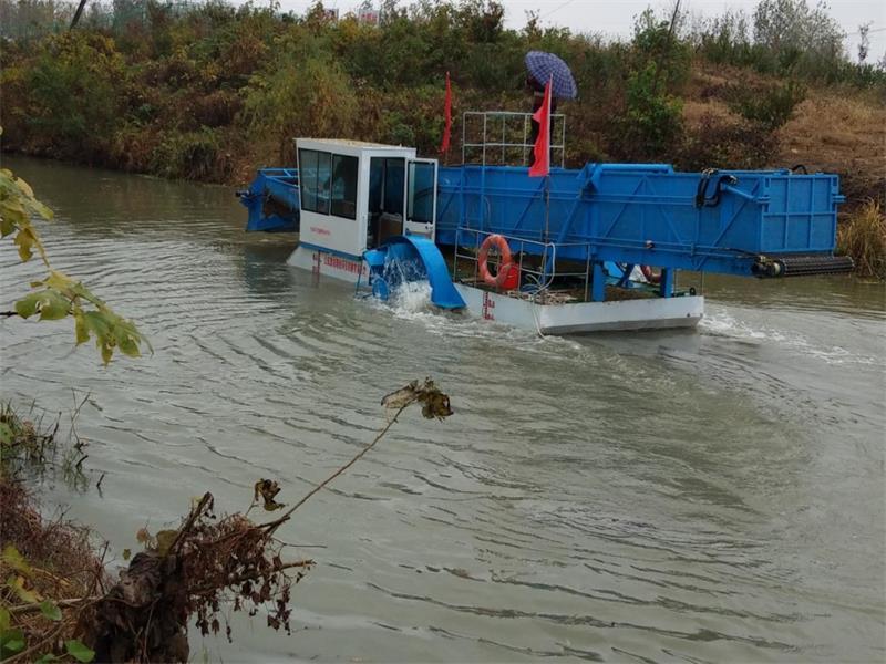 潍坊超实用的割草船出售,割草船价格