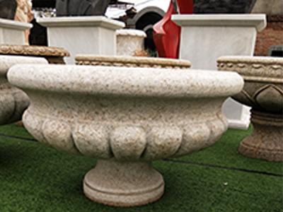 厦门花盆厂家推广,想要造型好的花盆就到德伟石材雕塑