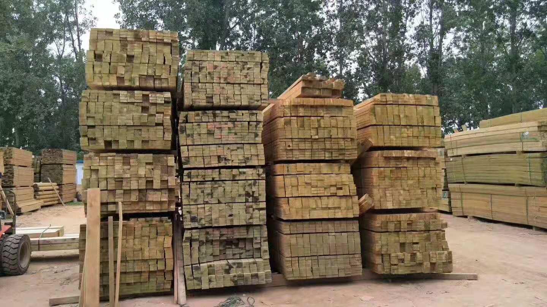 大量出售河南新款防腐木-鄭州防腐木廠家