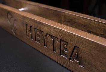 喜茶雕刻拉手