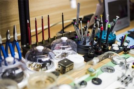 怎样选择一家可靠正规的手表维修店?