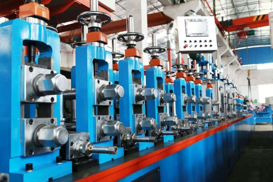 三科不锈钢制管机重视设备品质