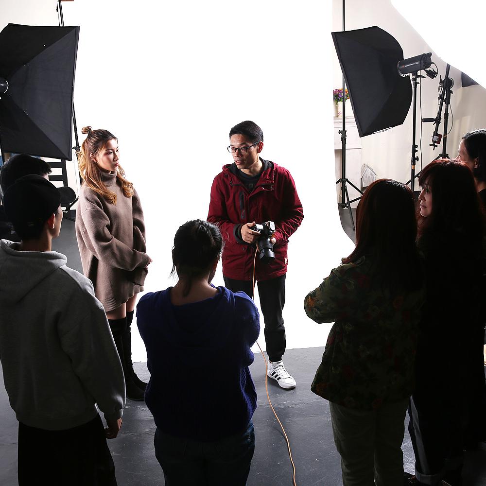 广告摄影班带您走进模特拍摄现场