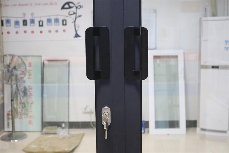 「平开门锁盒厂家」断桥铝门窗配件组角片有哪些功效及隔热保温作用
