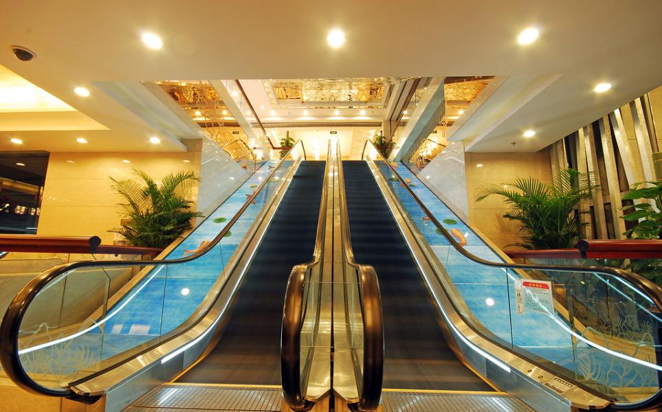 博罗天天商场中庭增设扶梯及三层电影院区域结构加固工程