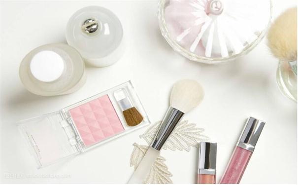 化妆品加盟店的营销手段与发展详解