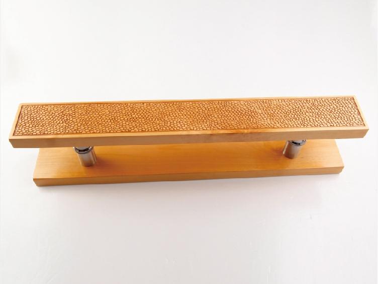 訂制實木門把手-廣東質量好的木紋祥云實木拉手供應
