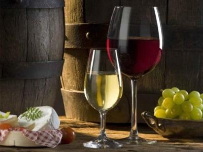 怎样鉴别葡萄酒的好坏?掌握这几个小技巧!