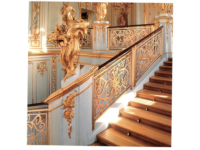 选择铝艺楼梯扶手的原因及其优越性介绍