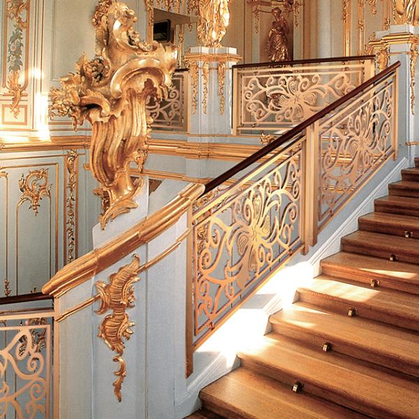 铝艺楼梯扶手对材料的要求以及如何安装更美观