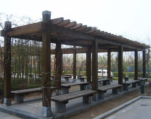 郑州哪有供应优惠的防腐木花架|青海防腐木花架厂家