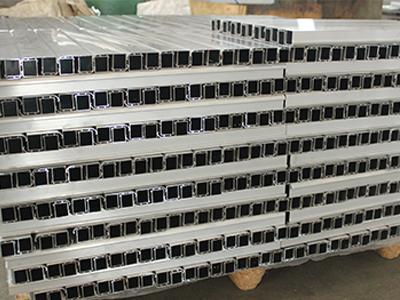 云超铝业出售打包装托型材