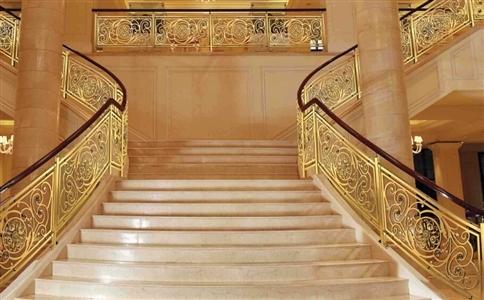 铝艺楼梯立柱