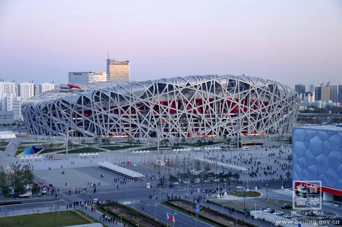 北京奥运鸟巢大屏幕支撑立柱配套项目