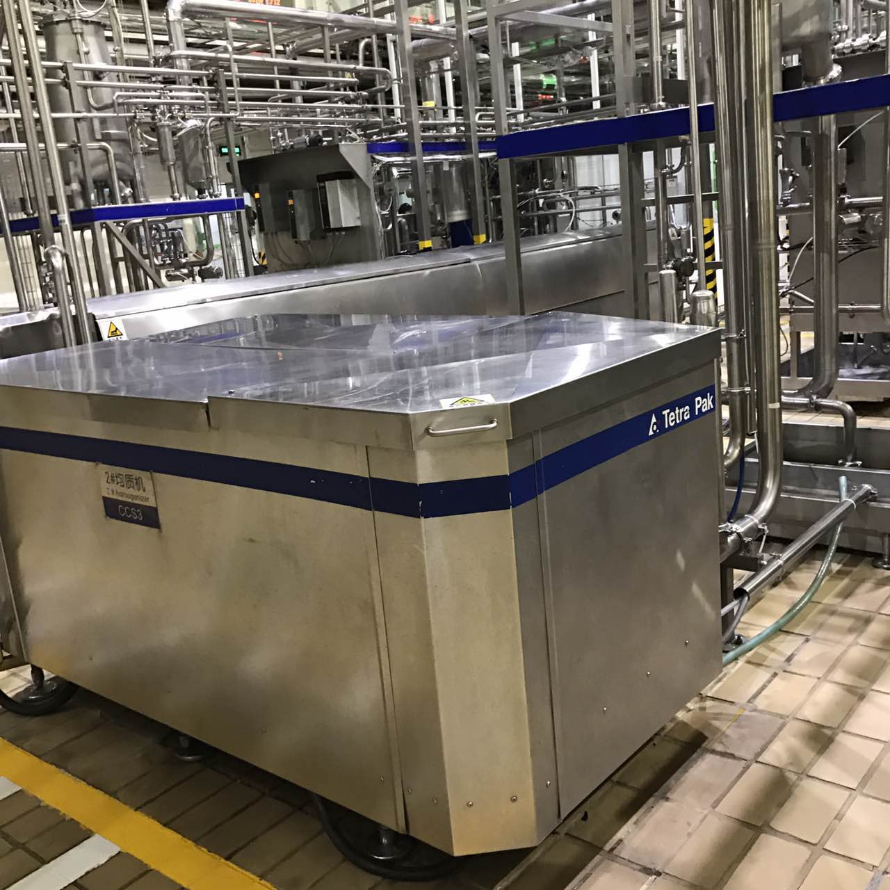 二手易拉罐灌装机的发展现状与调整精度的方法