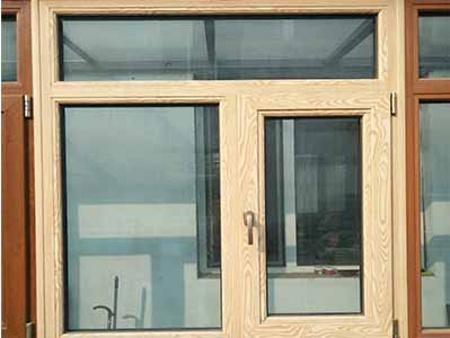 沈阳铝木复合门窗
