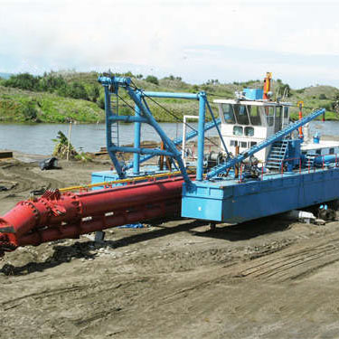 绞吸式挖泥船